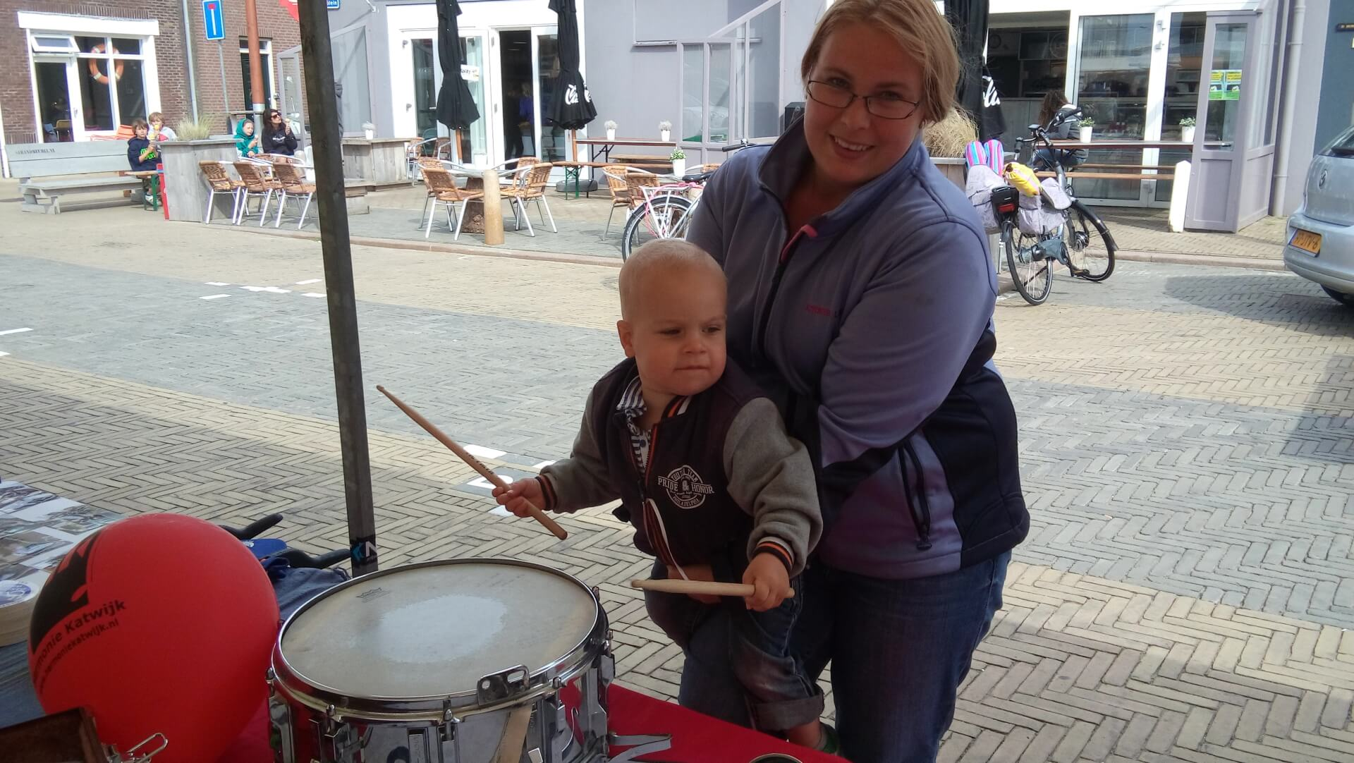 promotiekraam muziekinstrument proberen