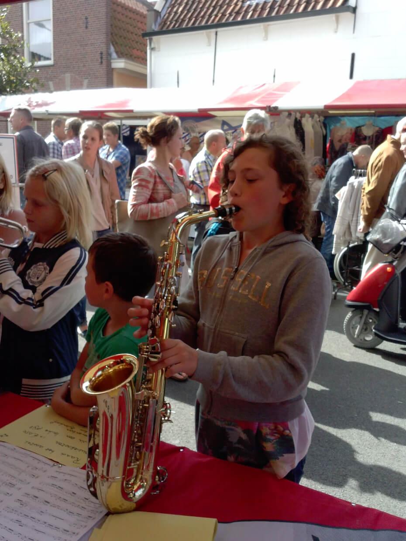 Saxofoon promotiekraam
