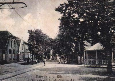 Muziektent Katwijk aan den Rijn, Voorstraat bij de Turfmarkt, rond 1915